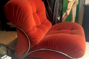Poltrona vintage in velluto arancione