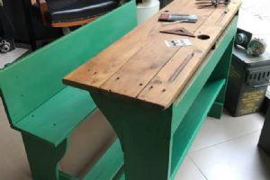 Banchetto da scuola in legno