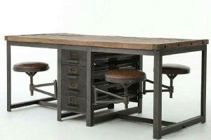 Tavolo con 4 sgabelli stile industriale e cassettiera incorporata