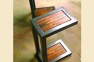 Tavolino per computer sul divano  sgabello?
